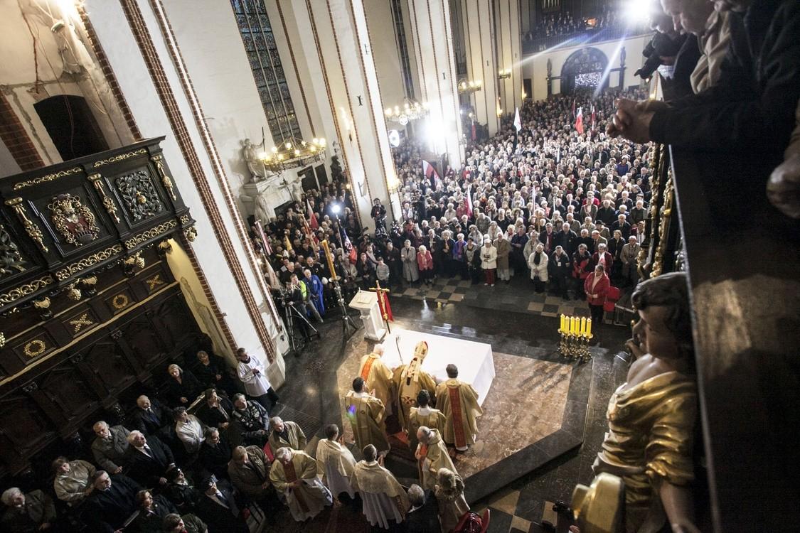 Premier zaprasza na Mszę św. za śp. Pawła Adamowicza
