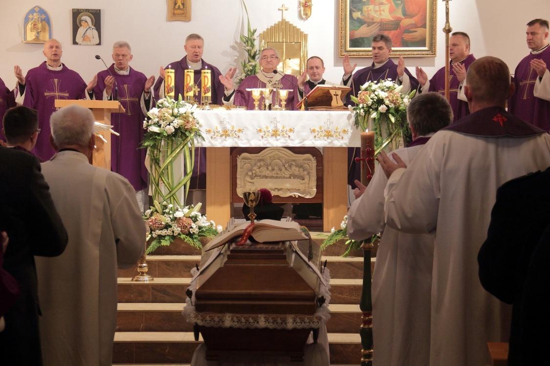 Pogrzeb ks. Piotra Lewańczyka